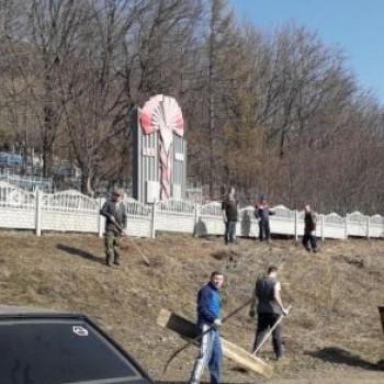 Субботники на территории кладбищ с.Серафимовский